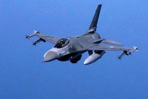 10 mituri despre avioanele de luptă