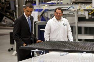 Falimentul energiei solare şi cum arată un scandal de corupţie cu Obama