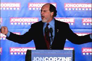 El este Jon Corzine, brokerul de bani şi putere care a pierdut miliardele clienţilor la cazinoul zonei euro