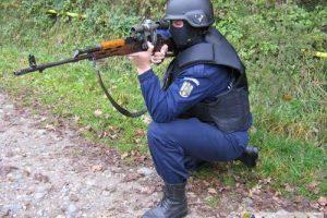 Sunt jandarmii în stare să împuşte civili?