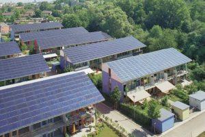 Feed-in-tariff: Electrica va fi obligată să ne cumpere curentul înapoi