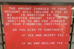 Care e diferența dintre cardul de credit și de debit