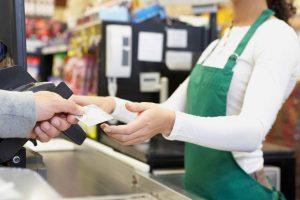 Cât costă un card internațional de salariu